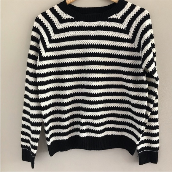 Forever 21 Sweaters - Forever 21 Long Sleeve Striped Sweater